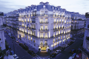 Parisian Accommodation Perfection: Hotel de la Tremoille - Get Lost With Jackie