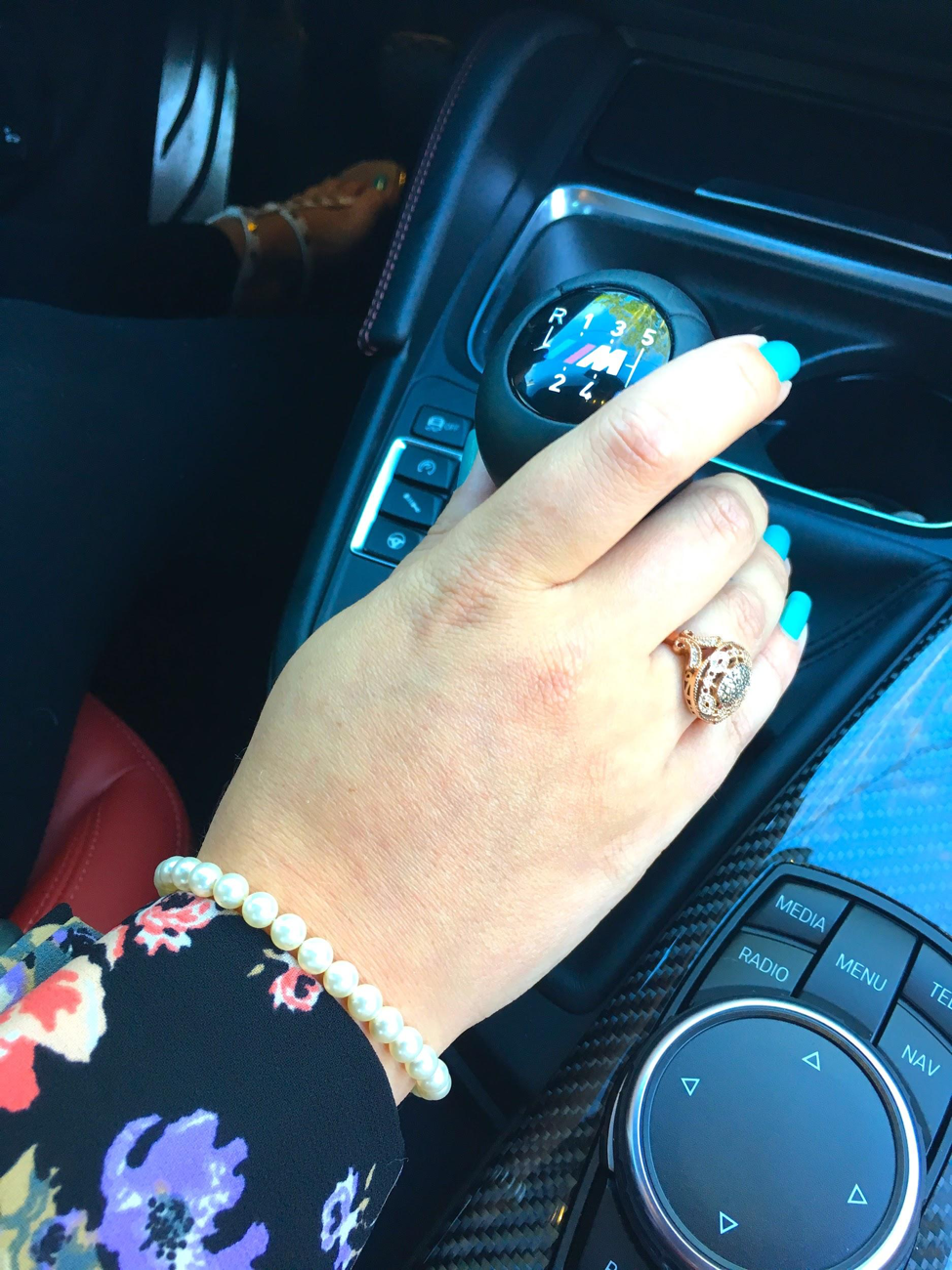 11 Reasons Every Woman Should Know How To Drive Manual Shift - Get Lost With Jackie
