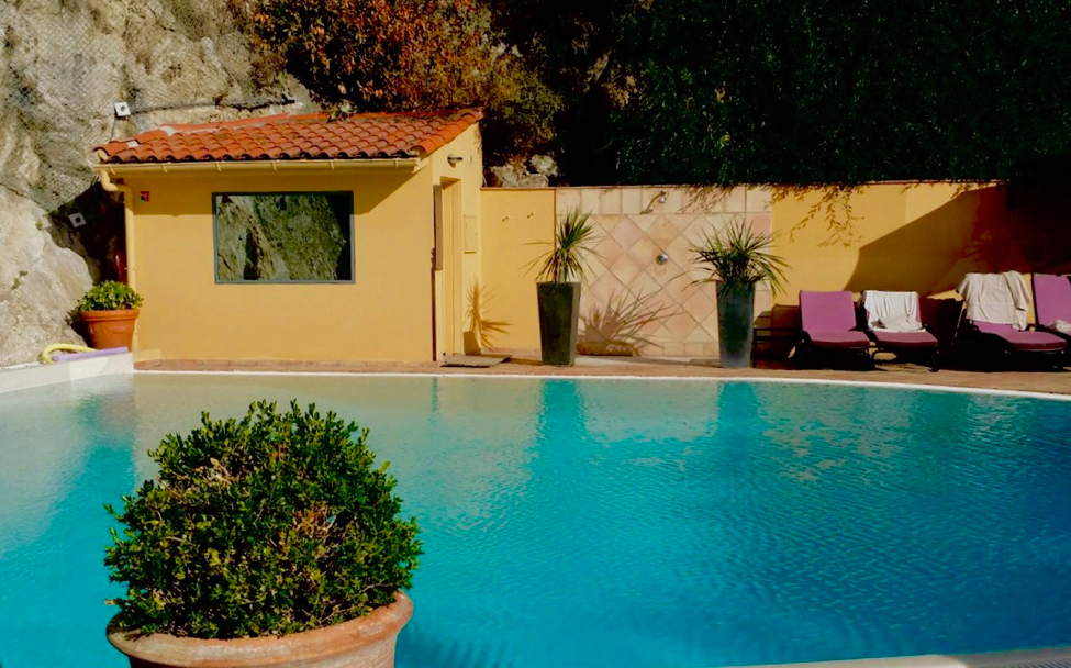 The Best Views and Hues in Nice, France: Hotel la Perouse